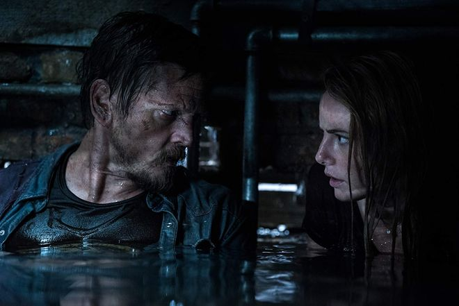 Review Crawl: Barry Pepper and Kaya Scodelario